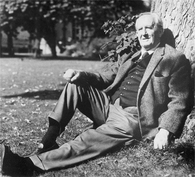J.R.R. Tolkien (John Ronald Reuel Tolkien)